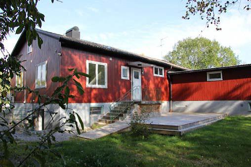 Lägenhet 2 rok entre_uteplats.png