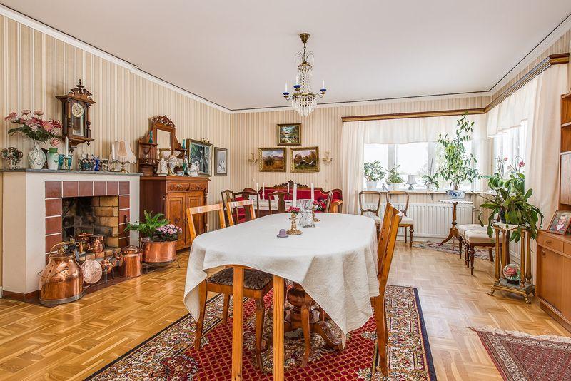 Svenljunga: 3 rum (95 kvm) 7800 krmån | Hyresmaklaren.se